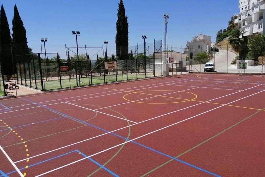 Pintar suelos de polideportivos